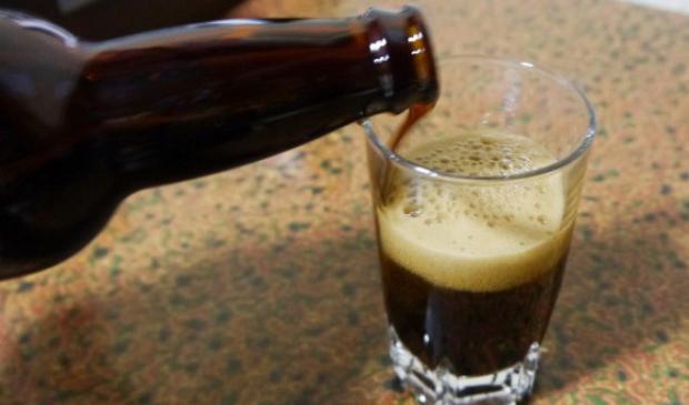 Bạn có thể ngâm rượu với tỏi đen, có tác dụng rất tốt