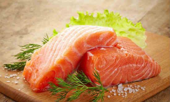 ăn nhiều cá hồi giúp giảm nguy cơ mắc bệnh ung thư phổi