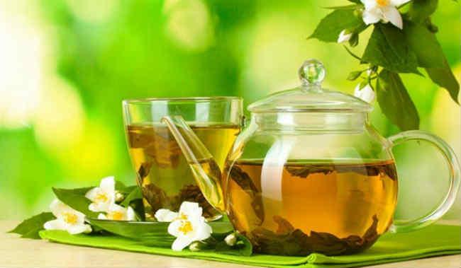 flavonoid và tannin có trong trà xanh giúp chống oxy hóa và giảm viêm