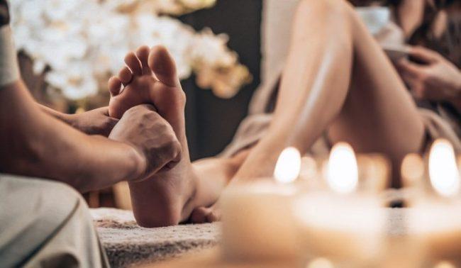 xoa bóp bấm huyệt giúp giảm căng thẳng và cải thiện sức khỏe tổng thể