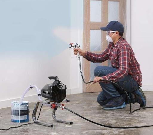 Phun sơn bằng máy nhanh và gọn hơn